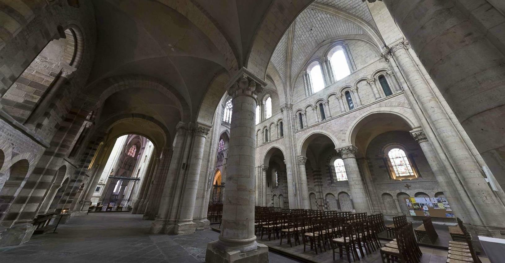 le mans Cathedral 3