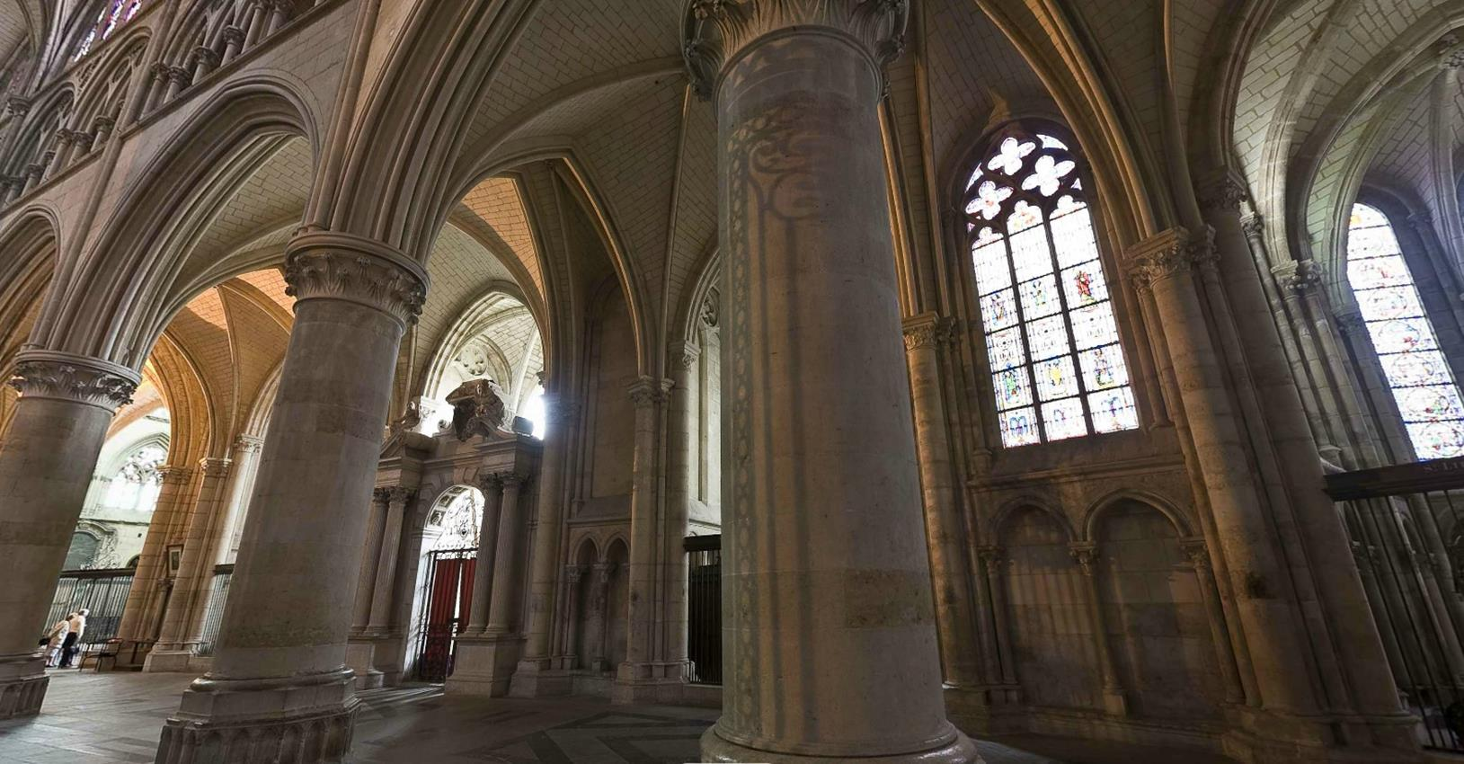 le mans Cathedral 4